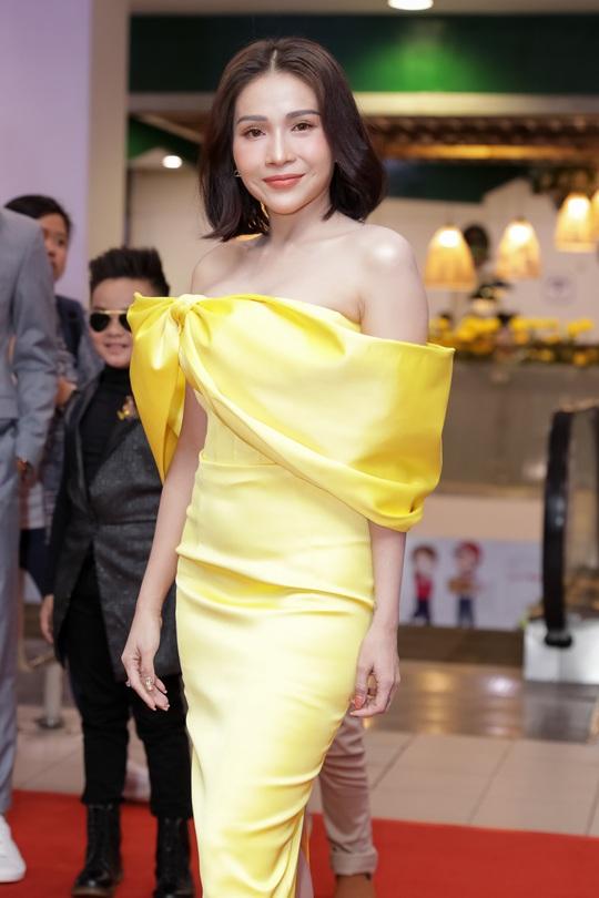 Khả Như, Kiều Minh Tuấn cùng sao Việt hội tụ trên thảm đỏ phim Nắng 3 - Ảnh 2.