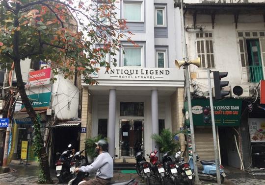 CLIP: Khách sạn khu phố cổ Hà Nội cửa đóng then cài do dịch Covid-19 - Ảnh 3.