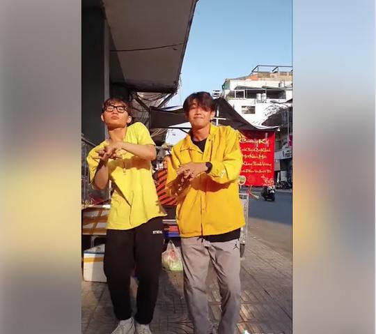 VIDEO: Cha đẻ của Ghen Cô Vy lên tiếng - Ảnh 1.