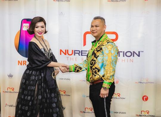 Triệu phú Đô Nguyễn trao thưởng 8 viên kim cương tri ân khách hàng tại Mỹ - Ảnh 3.