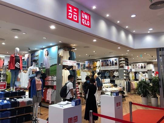 Uniqlo chính thức khai trương cửa hàng tại Hà Nội - Ảnh 2.