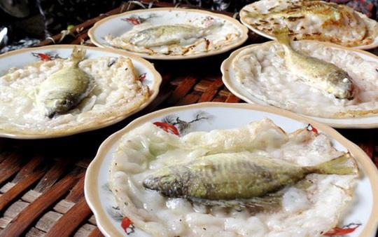 Mê đắm bánh khoái cá kình đầm Chuồn - Ảnh 2.