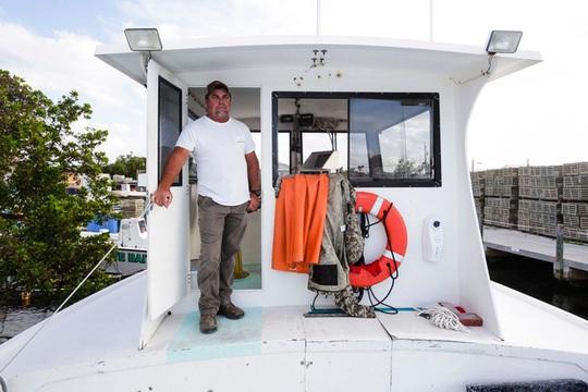 Ngư dân Mỹ không bán được tôm hùm mùa dịch Covid-19 - Ảnh 8.