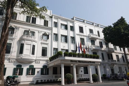 CLIP: Khách sạn 5 sao Metropole cùng nhiều khách sạn hạng sang khác bị rà soát vì Covid-19 - Ảnh 8.