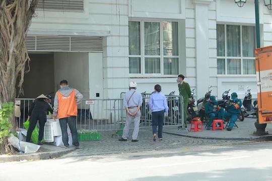 CLIP: Khách sạn 5 sao Metropole cùng nhiều khách sạn hạng sang khác bị rà soát vì Covid-19 - Ảnh 5.