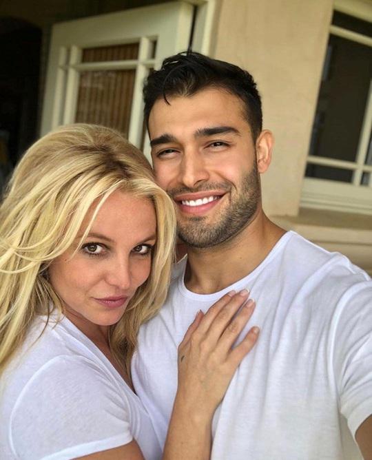 Britney Spears - công chúa mải mê yêu đương và ly hôn sau 55 tiếng - Ảnh 12.