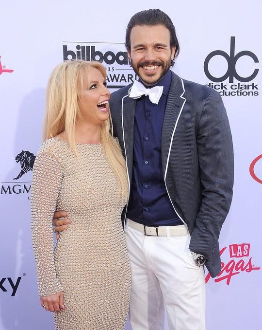 Britney Spears - công chúa mải mê yêu đương và ly hôn sau 55 tiếng - Ảnh 4.