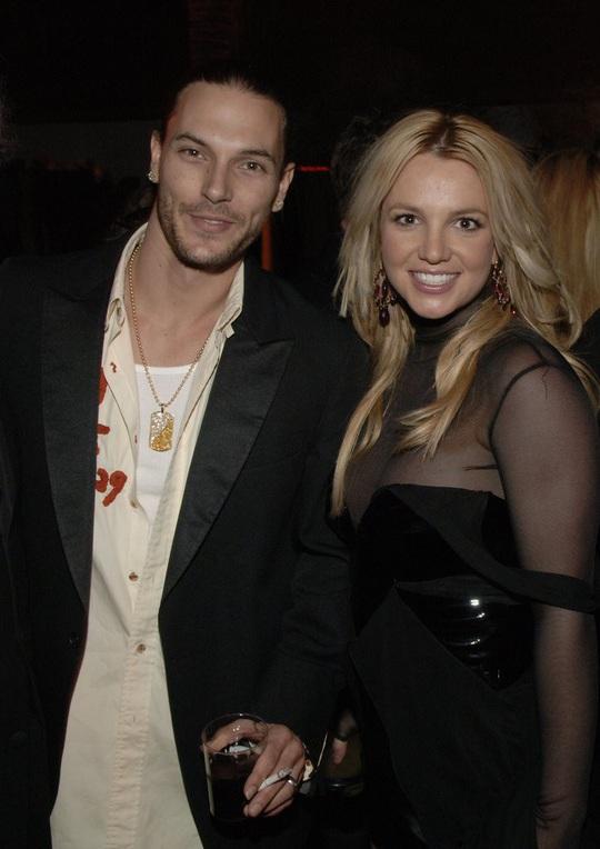 Britney Spears - công chúa mải mê yêu đương và ly hôn sau 55 tiếng - Ảnh 6.