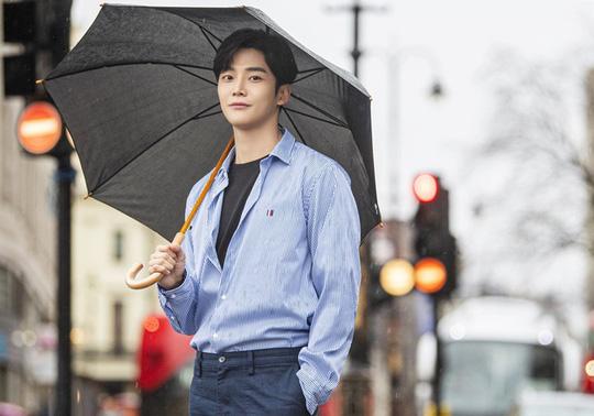Thần tượng Hàn nhận mưa lời khen diện mạo - Ảnh 2.