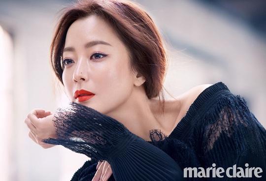 Điều gì giúp Son Ye Jin, Jang Nara luôn trẻ hơn tuổi? - Ảnh 2.