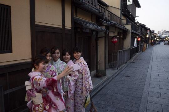 Cố đô Nhật Bản những ngày vắng bóng du khách - Ảnh 5.