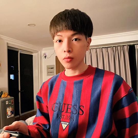 Đức Phúc cắt tóc giống Choi Taek vì quá hâm mộ phim Reply 1988 - Ảnh 2.