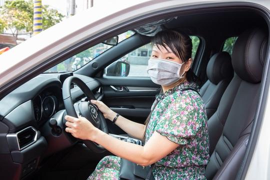 Nam A Bank trao giải ô tô trị giá 1,2 tỉ đồng cho khách hàng - Ảnh 2.
