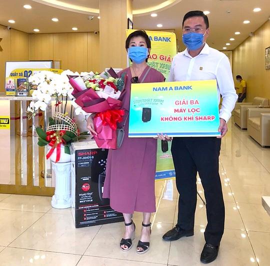 Nam A Bank trao giải ô tô trị giá 1,2 tỉ đồng cho khách hàng - Ảnh 3.