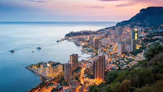 Cảnh đẹp hoàn hảo ở những quốc gia ít dân nhất thế giới - Ảnh 5.