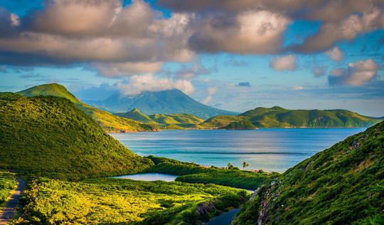 Cảnh đẹp hoàn hảo ở những quốc gia ít dân nhất thế giới - Ảnh 10.