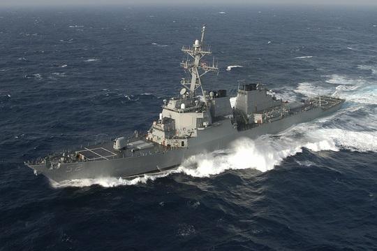 Tàu chiến Mỹ đi qua Eo biển Đài Loan cùng ngày Trung Quốc tập trận - Ảnh 1.