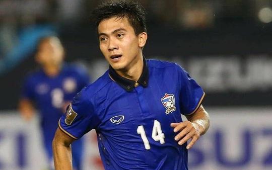 Ngôi sao Thái Lan từng hạ tuyển Việt Nam 3-0 đang bỏ trốn xã hội đen là ai? - Ảnh 3.