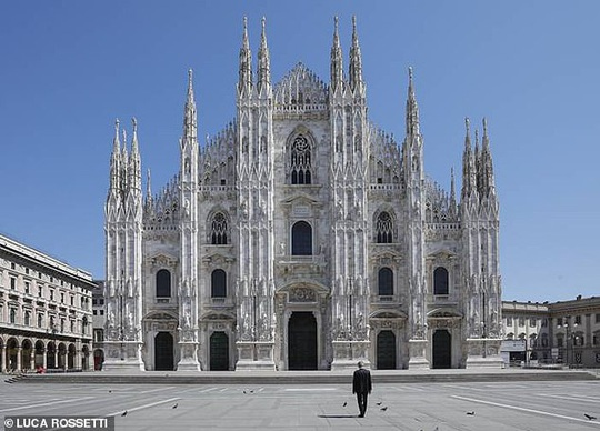 Danh ca khiếm thị Andrea Bocelli khiến hàng triệu người xúc động - Ảnh 7.