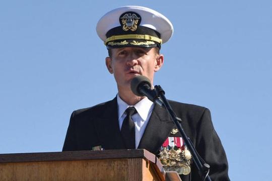 Thủy thủ đầu tiên trên tàu sân bay Mỹ tử vong vì Covid-19 - Ảnh 1.
