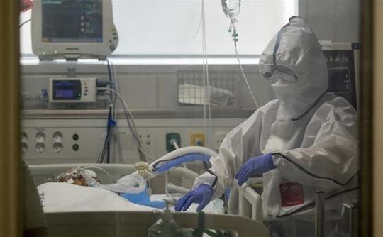 Hàn Quốc đau đầu chuyện dương tính trở lại, WHO lo Covid-19 nguy hiểm gấp 10 lần H1N1 - Ảnh 1.