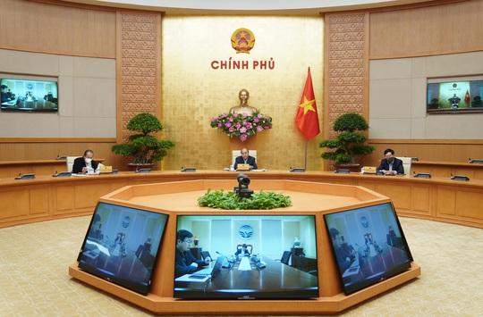 Thủ tướng: Từng bước giảm dần các biện pháp giãn cách xã hội một cách thận trọng - Ảnh 2.