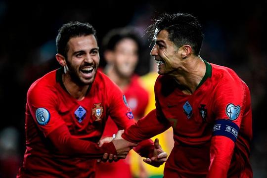 Ronaldo khởi xướng, tuyển Bồ Đào Nha góp 50% tiền thưởng EURO 2020 - Ảnh 3.