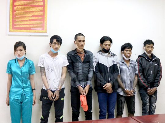 Thiếu niên đột nhập phòng trọ ở Bình Chánh trộm ba lô tiền, vàng - Ảnh 1.