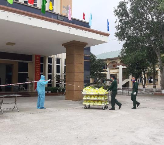 Cán bộ, công chức ở Nghệ An trở lại công sở làm việc bình thường từ ngày mai 17-4 - Ảnh 1.