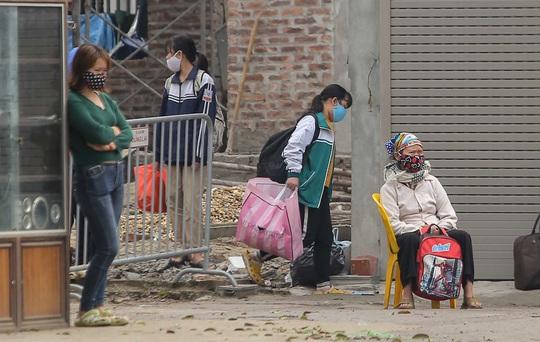 Thiếu nữ Hà Giang mắc Covid-19 từng tiếp xúc người làm thuê ở Trung Quốc - Ảnh 1.
