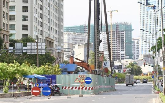 TP HCM cấm xe nhiều đoạn quanh đường Nguyễn Hữu Cảnh - Ảnh 1.