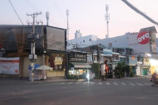 Chủ tiệm thuốc Tây bị dàn cảnh đụng xe ở quận 10, cướp 20 triệu - Ảnh 1.