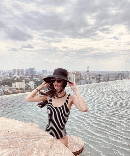Bỏ túi 4 khách sạn TP HCM sở hữu hồ bơi tầng thượng view đẹp - Ảnh 1.