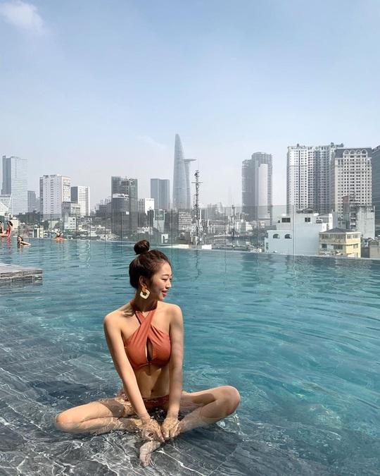 Bỏ túi 4 khách sạn TP HCM sở hữu hồ bơi tầng thượng view đẹp - Ảnh 4.