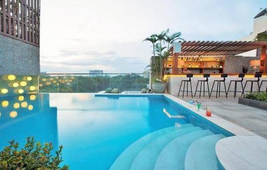 Bỏ túi 4 khách sạn TP HCM sở hữu hồ bơi tầng thượng view đẹp - Ảnh 10.