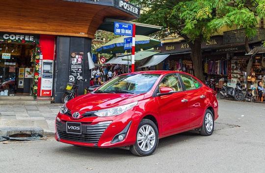 Những cú bẻ lái trên thị trường ôtô Việt - Ảnh 1.