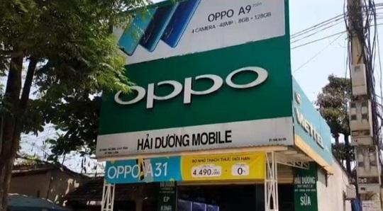 Quảng Bình: Phát hiện thêm 2 cửa hàng bán điện thoại lậu - Ảnh 2.