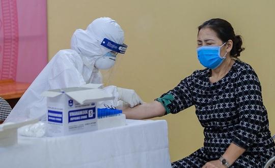 Ngày 22-4, không có ca mắc Covid-19 mới, bác gái bệnh nhân 17 hoàn toàn tỉnh - Ảnh 3.