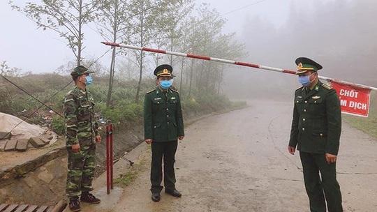 Phong tỏa toàn bộ thị trấn Đồng Văn để chống dịch Covid-19 - Ảnh 1.