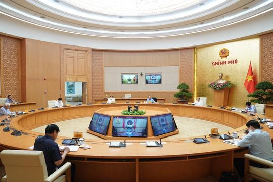 Thủ tướng đồng ý nới lỏng giãn cách xã hội, trừ 3 huyện - Ảnh 2.