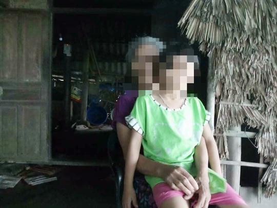 Tạm giữ người đàn ông khiếm thị 68 tuổi nghi giở trò đồi bại với bé gái 9 tuổi tàn tật - Ảnh 1.