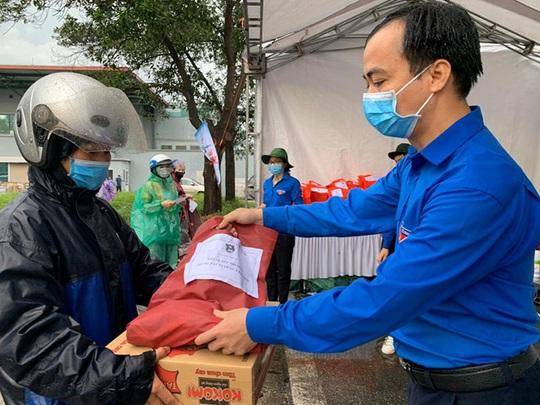 Chung tay chống dịch Covid-19, Masan Consumer trao tặng 10.000 suất ăn tại TP HCM - Ảnh 5.