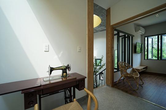 Ngôi nhà vuông vắn trên mảnh đất 60 m2 bất cân xứng - Ảnh 9.