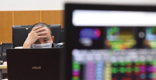 Nhà đầu tư cá nhân đổ mạnh tiền vào trái phiếu doanh nghiệp - Ảnh 1.