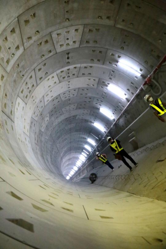 Ngỡ ngàng với hình ảnh dưới lòng đất giữa trung tâm TP HCM - Ảnh 1.
