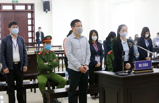 Gây thiệt hại 106 tỉ đồng, Hà Văn Thắm lại hầu toà - Ảnh 1.