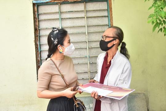 Mai Vàng nhân ái đến thăm nhạc sĩ Mặc Thế Nhân, nghệ sĩ Điền Phong và Kim Huyền - Ảnh 3.