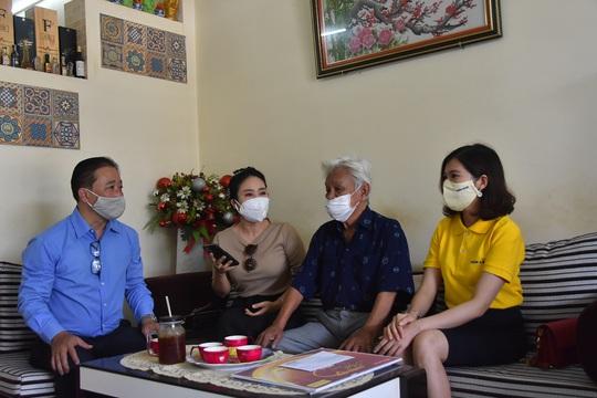 Mai Vàng nhân ái đến thăm nhạc sĩ Mặc Thế Nhân, nghệ sĩ Điền Phong và Kim Huyền - Ảnh 5.
