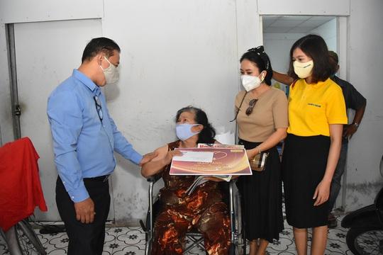 Mai Vàng nhân ái đến thăm nhạc sĩ Mặc Thế Nhân, nghệ sĩ Điền Phong và Kim Huyền - Ảnh 7.