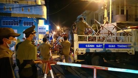 Dỡ bỏ phong tỏa vì Covid-19 ở hai tuyến phố Bình Thuận - Ảnh 2.